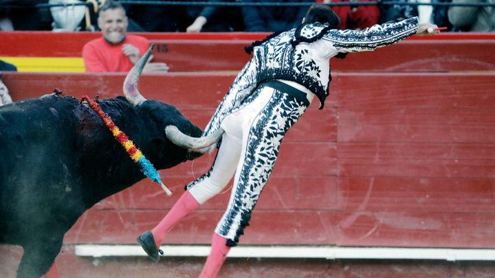 Grave cogida y lesión de Enrique Ponce en la Feria de Fallas