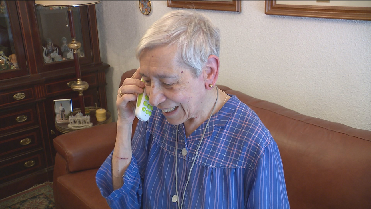 Arroyomolinos amplia el servicio de teleasistencia para mayores