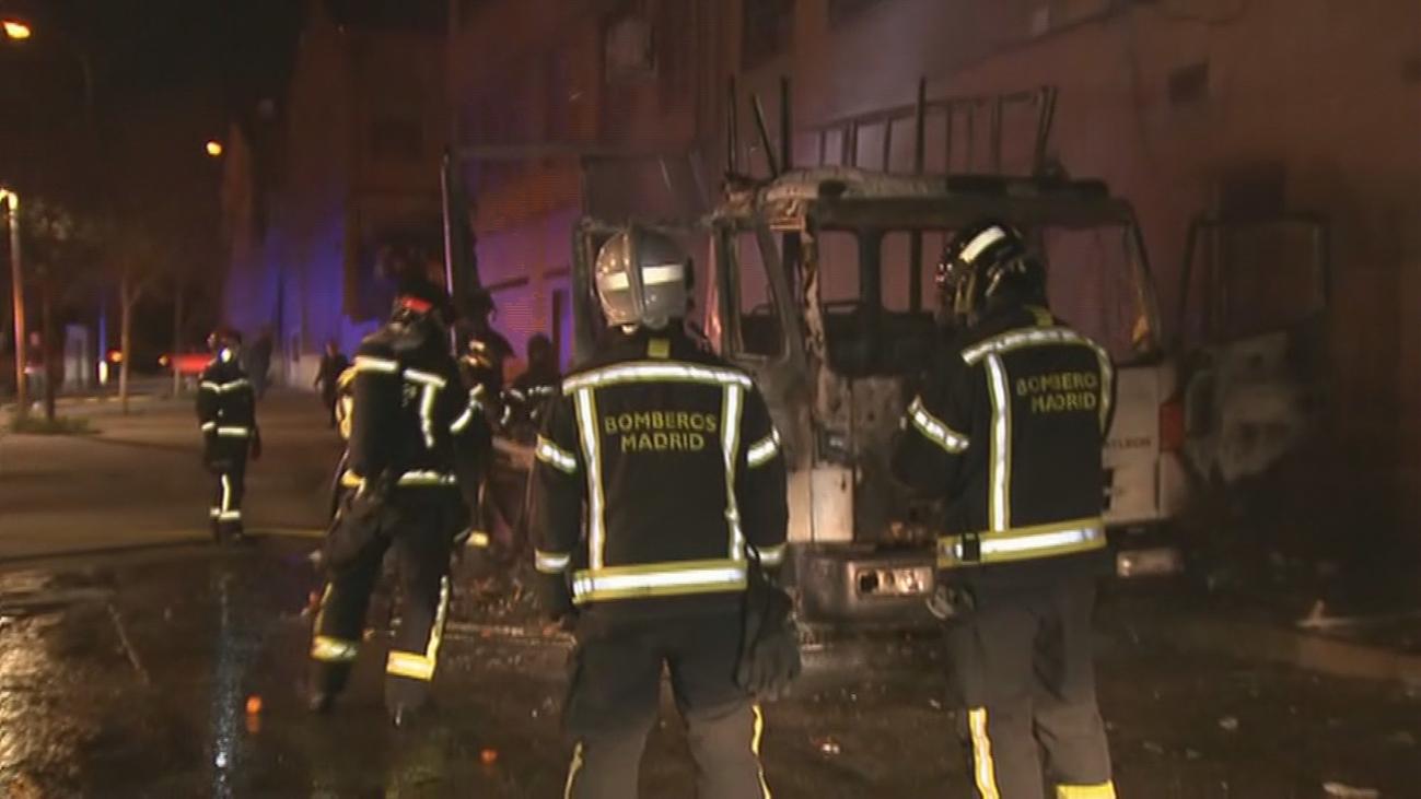 Incendian un camión de Los Visita en Pozo del Tío Raimundo