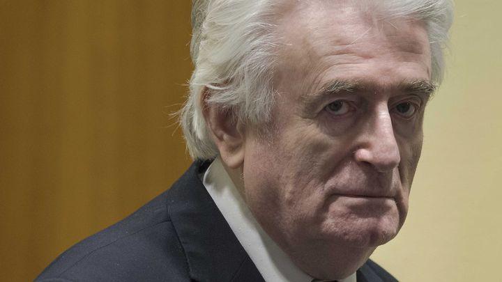 La condena del exlíder serbobosnio Radovan Karadzic se eleva a cadena perpetua