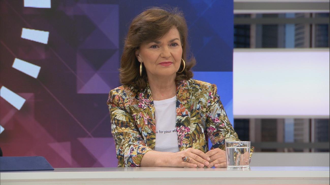 """Carmen Calvo, sobre la exhumación de Franco: """"Queremos que las víctimas estén en paz"""""""