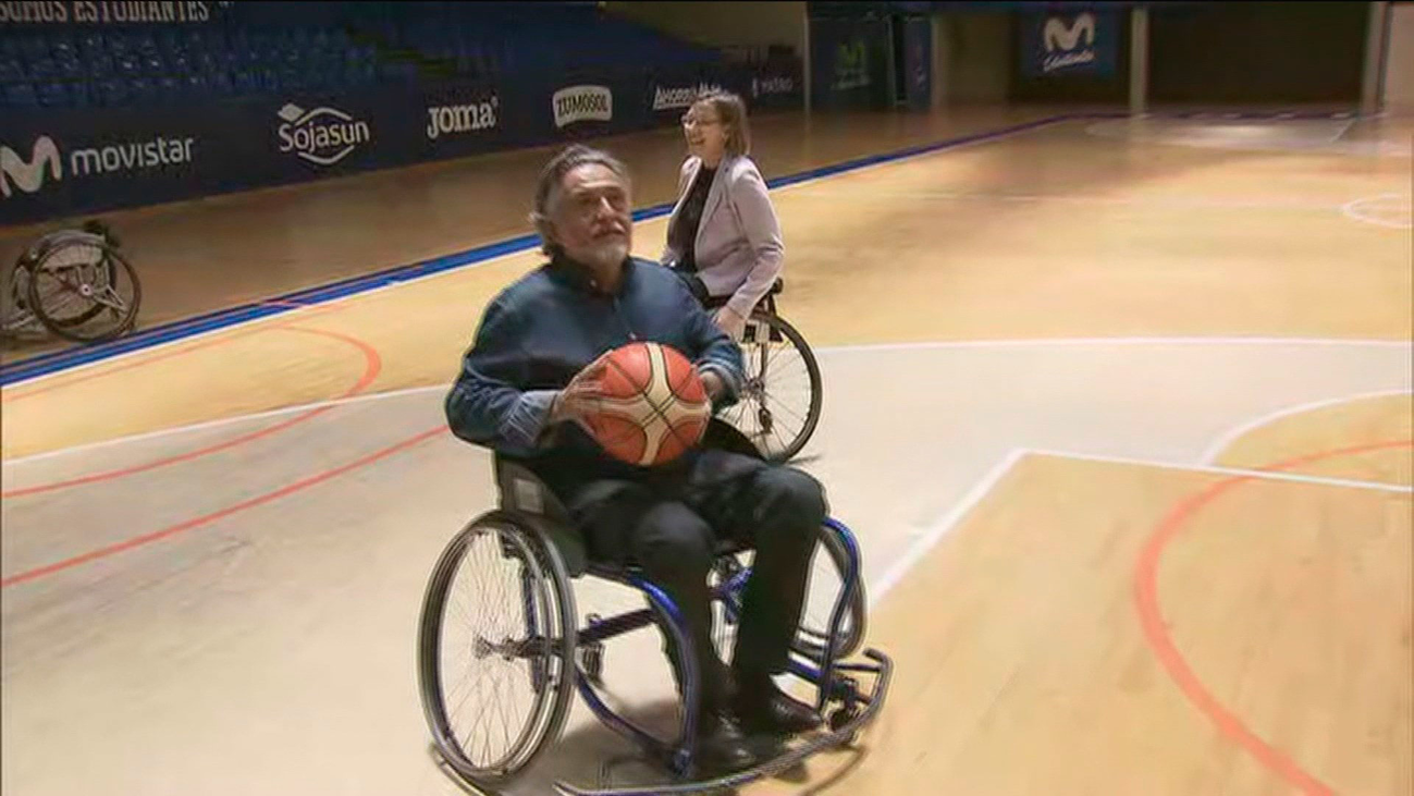 Pepu Hernández apoya la escuela de baloncesto en silla de ruedas del Estudiantes