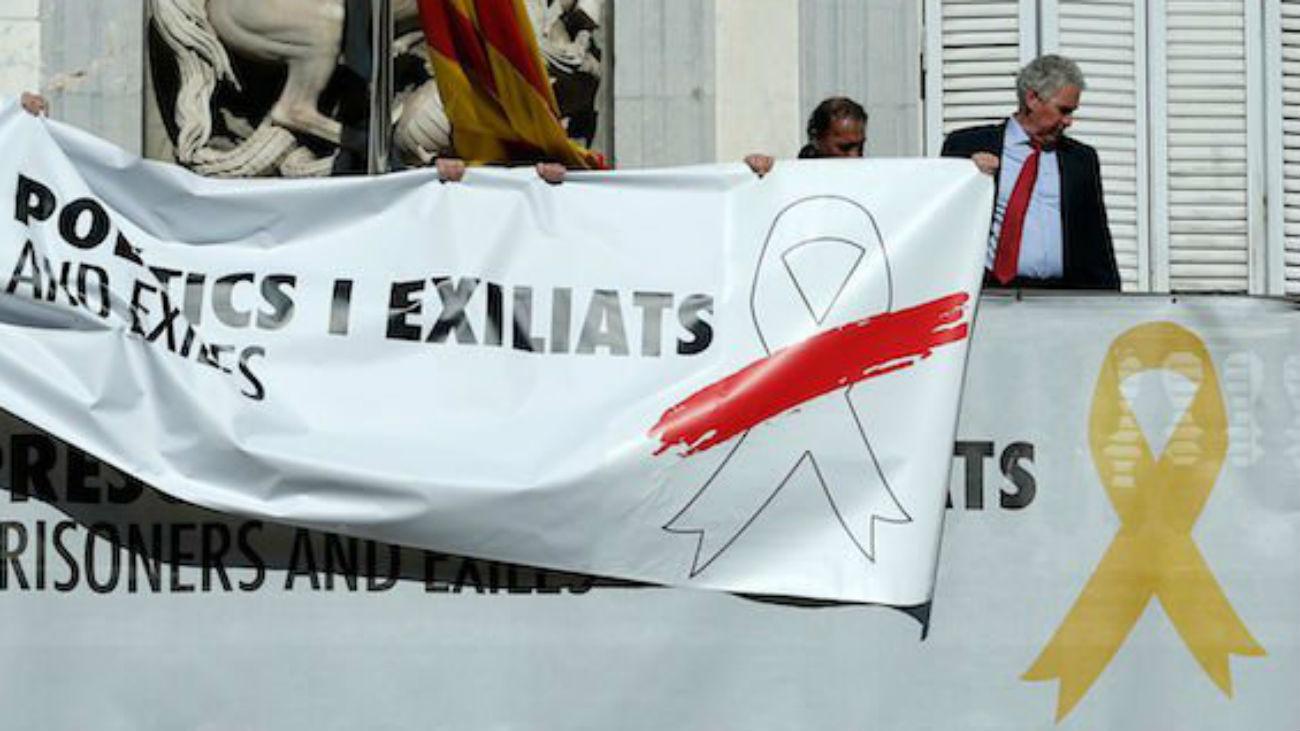 Nueva pancarta en la Generalitat