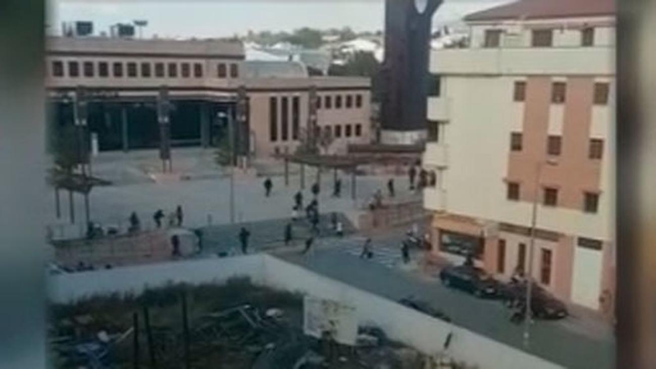 La Policía dispersa con tiros al aire a familiares de los detenidos en Ronda por tráfico de drogas