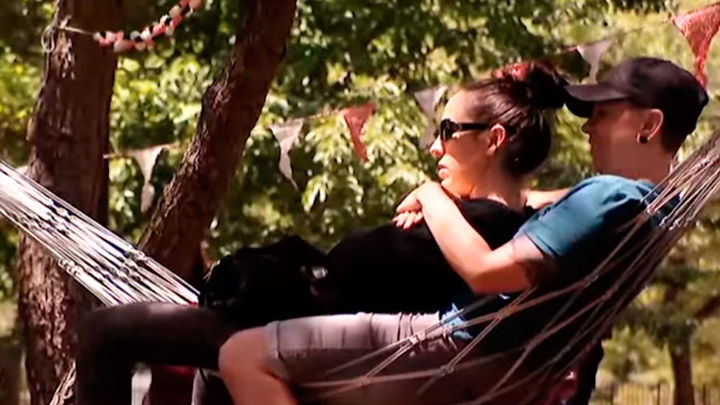Móstoles vuelve a reivindicar la pereza con su hamacódromo en el Parque Finca Liana