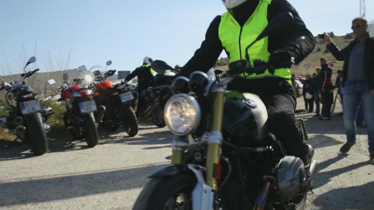 Un curso gratuito enseña a los motoristas veteranos a no confiarse