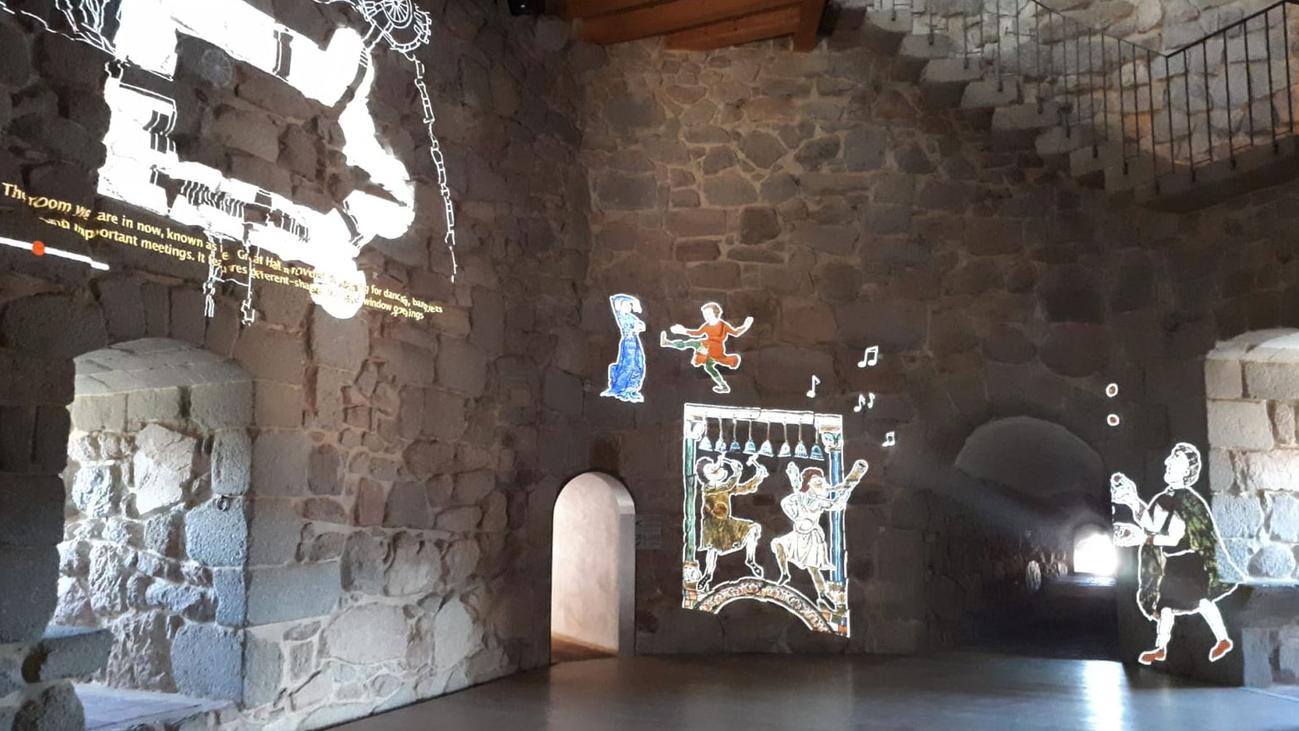 Las paredes del Castillo de la Coracera cobran vida para devolvernos al siglo XV
