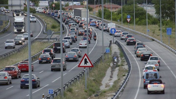 La alcaldesa de Móstoles pide el amparo al Defensor del Pueblo por los semáforos de la A-5
