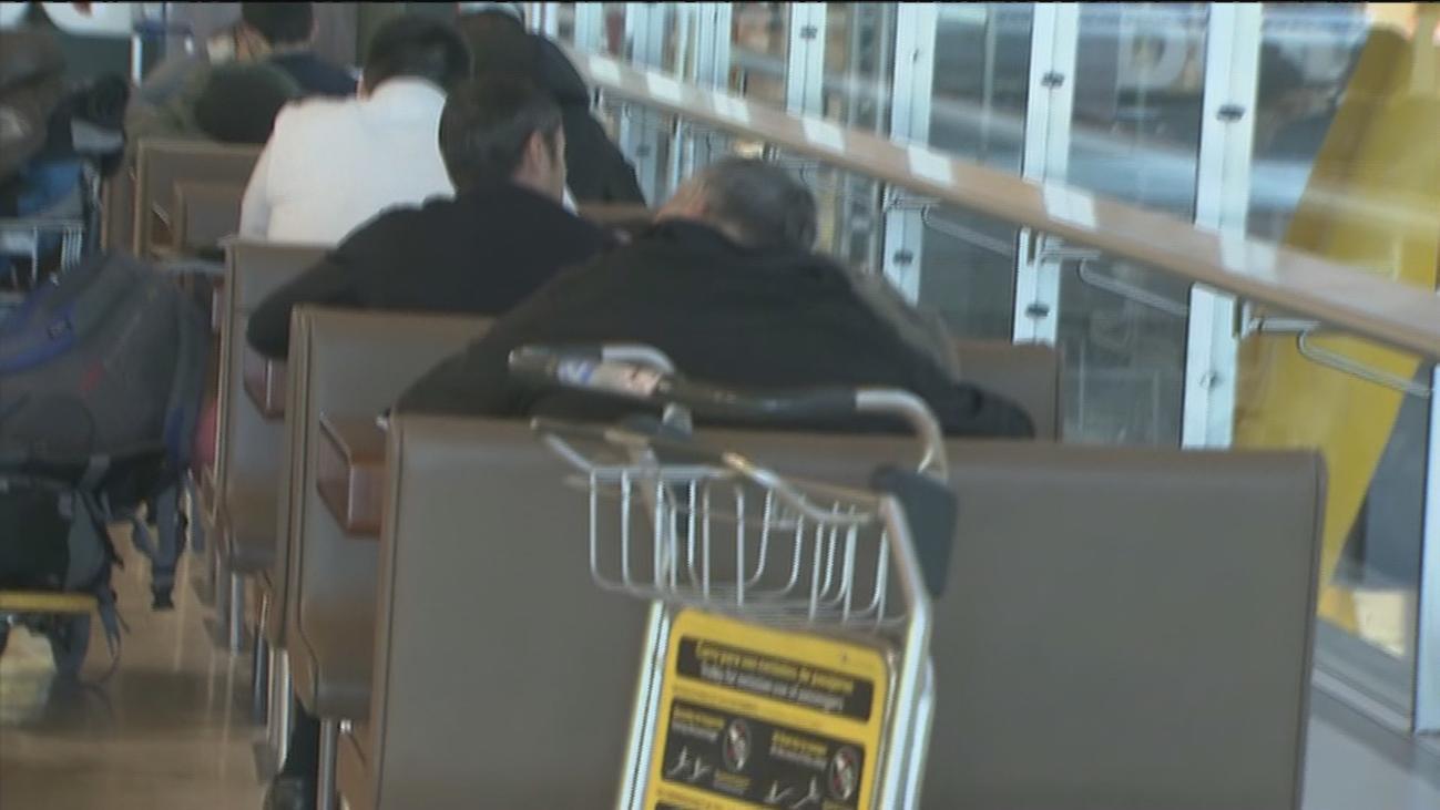 Los viajeros  fantasma que llevan años viviendo en el aeropuerto de Barajas