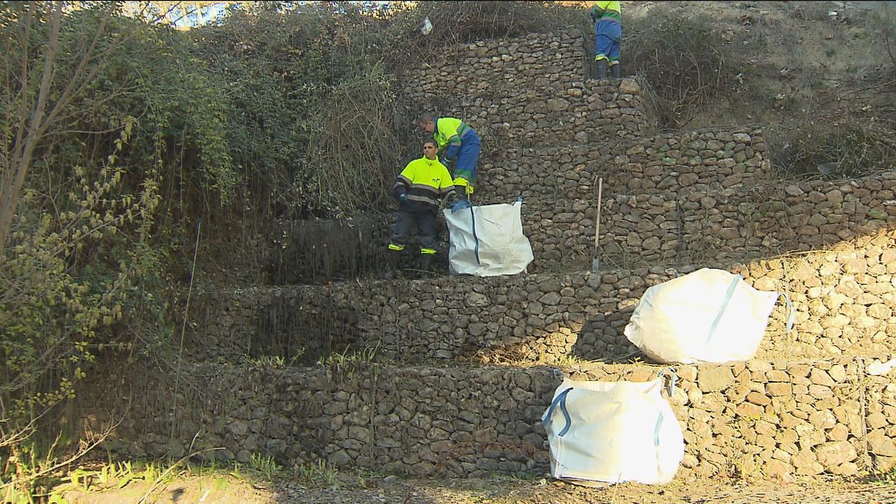 Arroyomolinos empieza la limpieza de toallitas higiénicas y aguas fecales