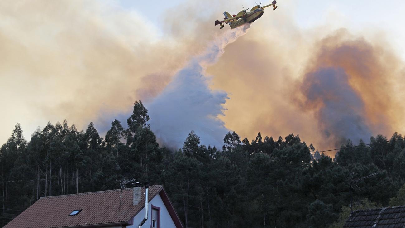 Controlados los fuegos de Rianxo (A Coruña)