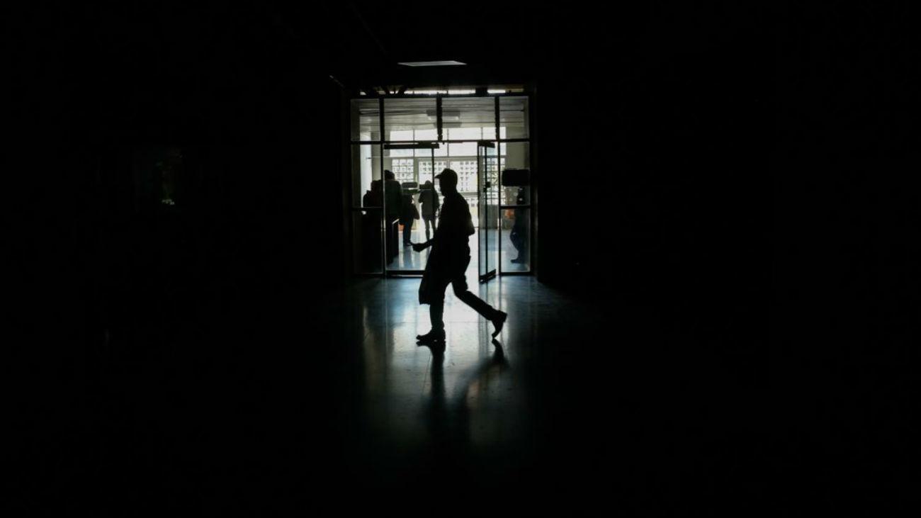 Venezuela amanece sin electricidad por segundo día consecutivo