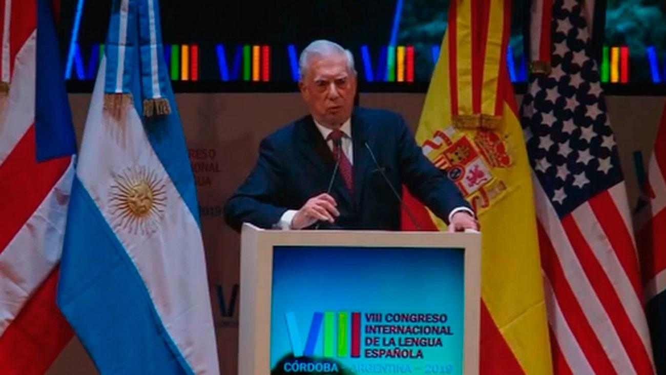 """Vargas Llosa dice que López Obrador """"se tendría que haber mandado la carta a él mismo"""""""