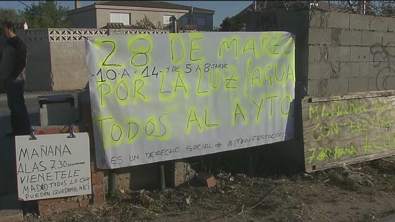 Vecinos de Mejorada llevan 40 años sin suministro de luz y agua