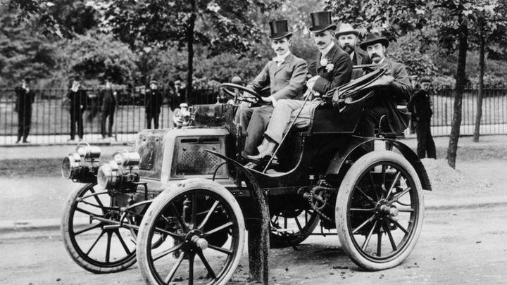 Así eran los coches de lujo de los Diputados en 1886