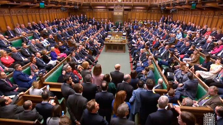 El Parlamento británico rechaza el tratado de salida del Brexit