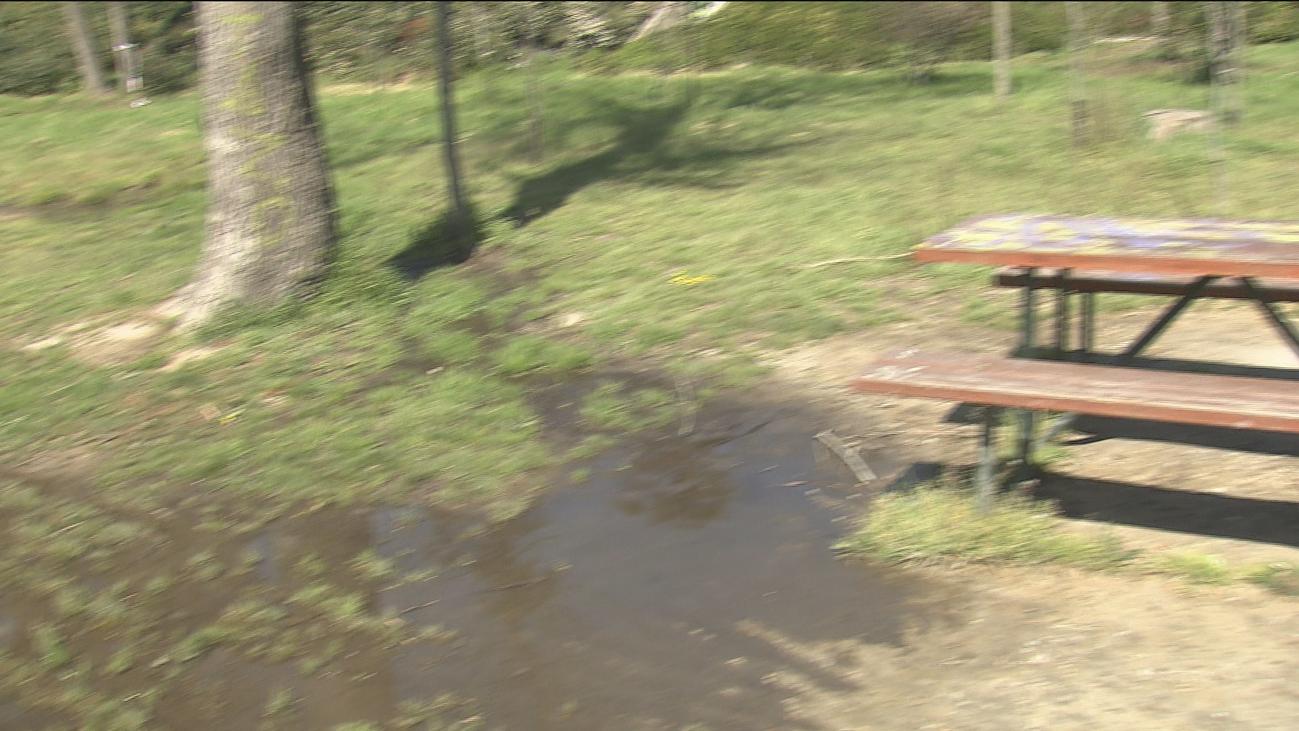 El Ayuntamiento de Madrid estudia la pérdida de agua del lago de la Casa de Campo