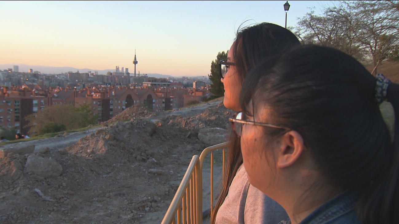 Dos jóvenes adoptadas en China se reencuentran en Madrid 17 años después