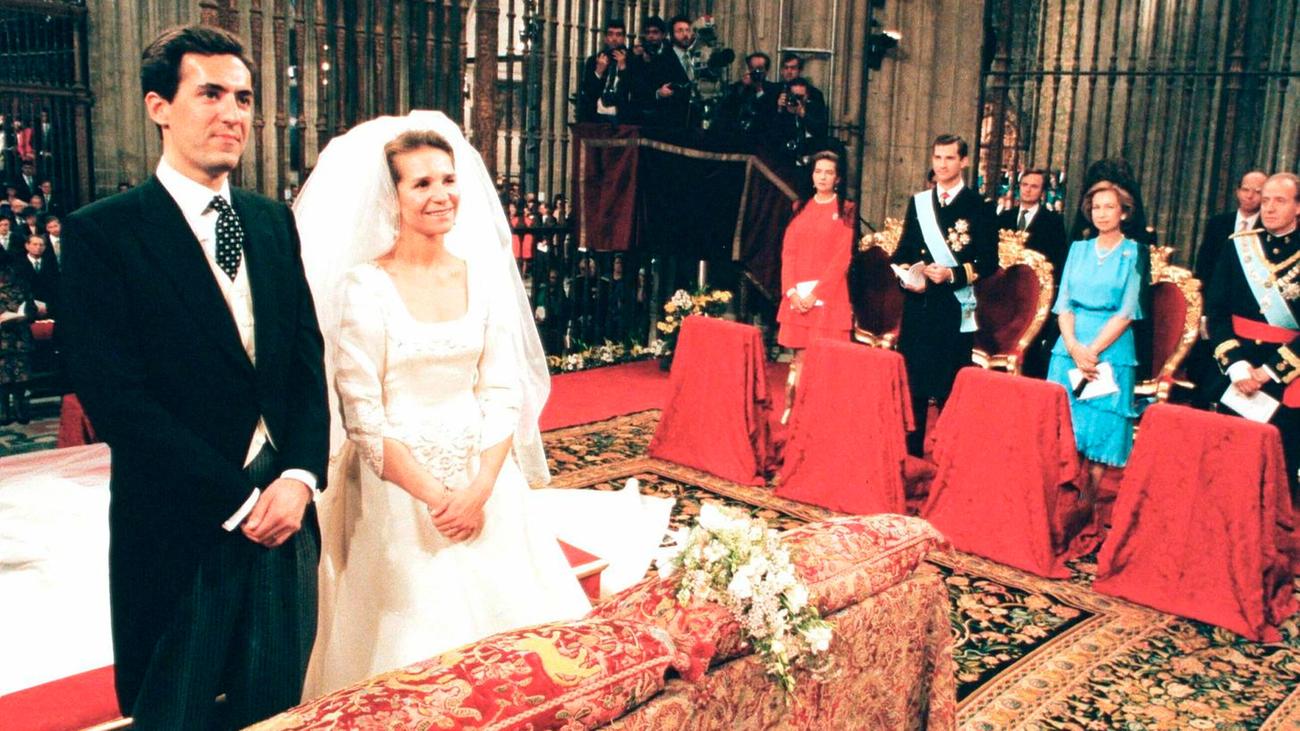 1995. La primera boda real en casi un siglo