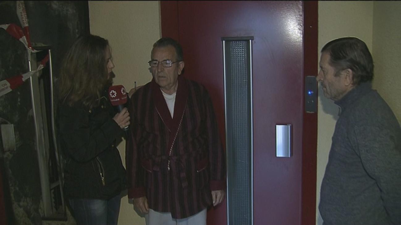 Los vecinos ancianos de Entrevías que no podían salir a la calle ya tienen ascensor