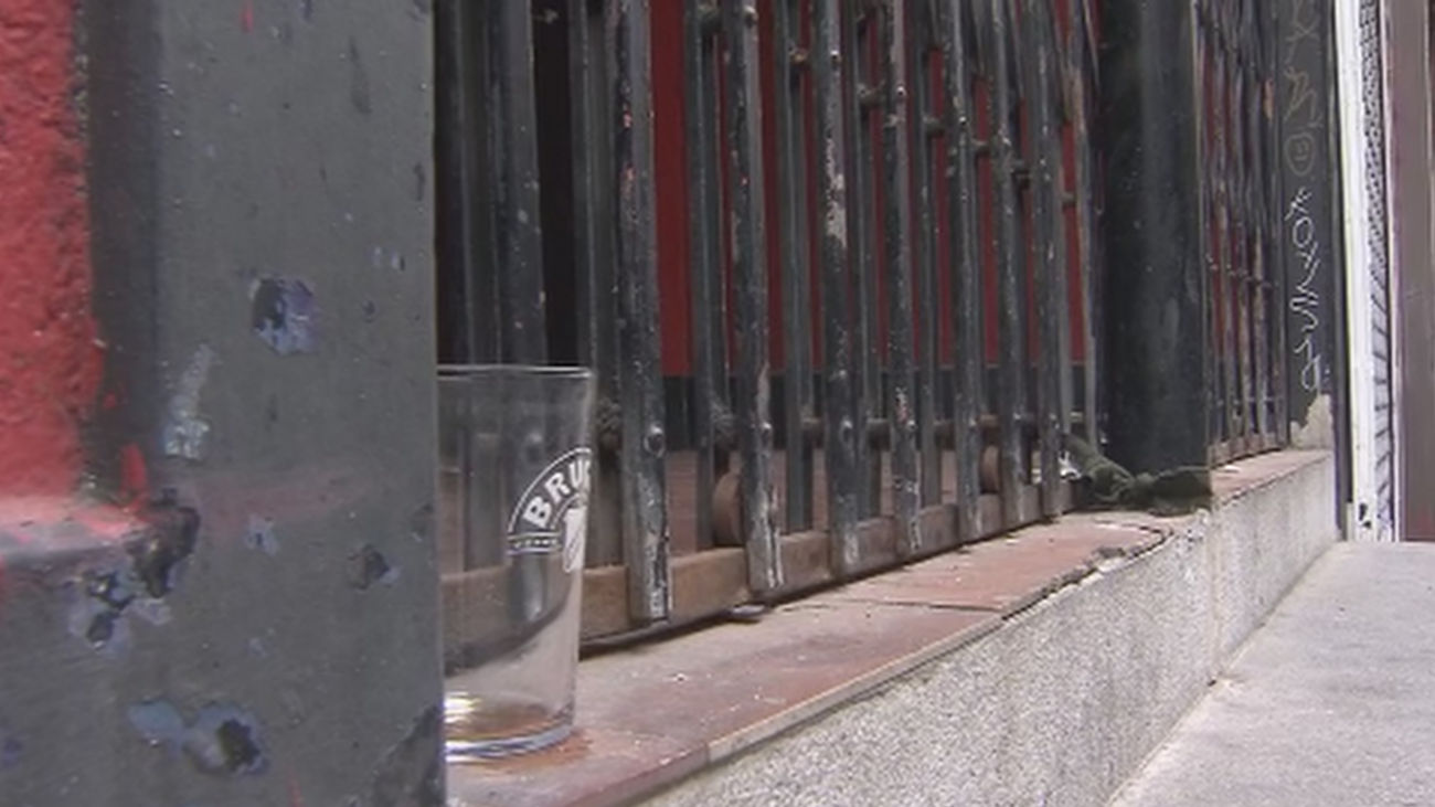 Hartos de las fiestas ilegales en Moncloa