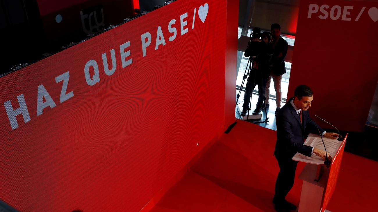 El PP se burla de 'Haz que pase', el lema de campaña del PSOE