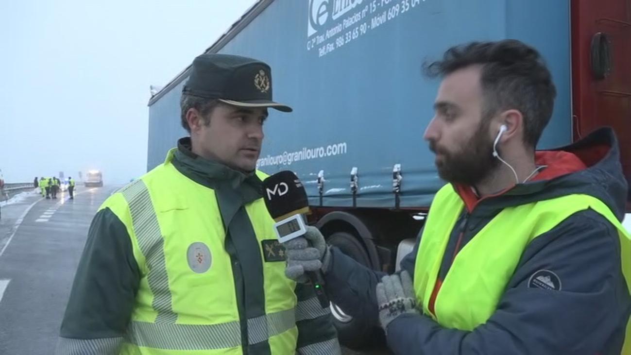 La Guardia Civil aconseja no pasar por la A-1 por el monumental atasco que se ha formado