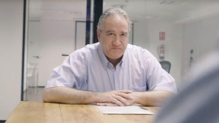 Cientos de empresas ofrecen trabajo al protagonista de 'Contrata a mi padre'