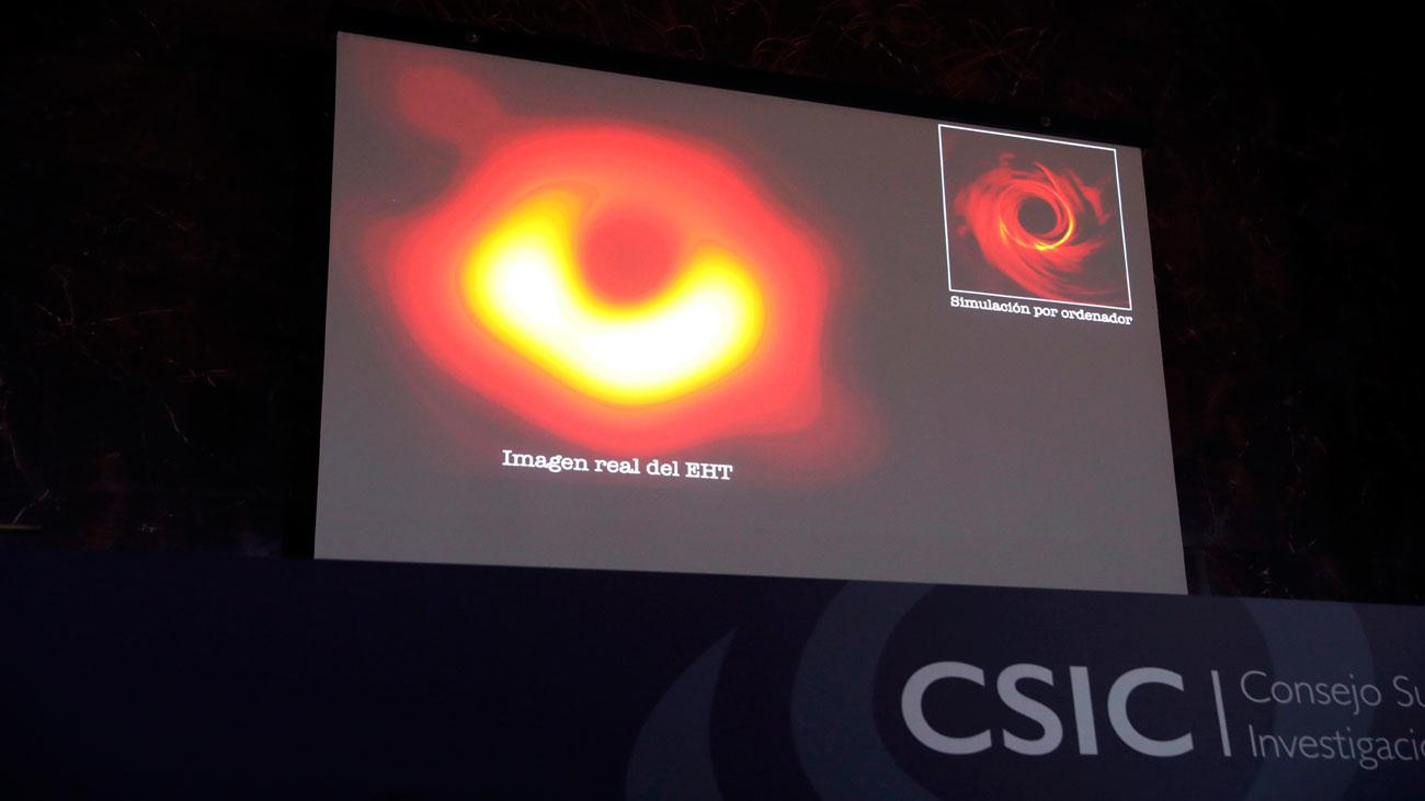 Presentan la primera imagen  real de un agujero negro