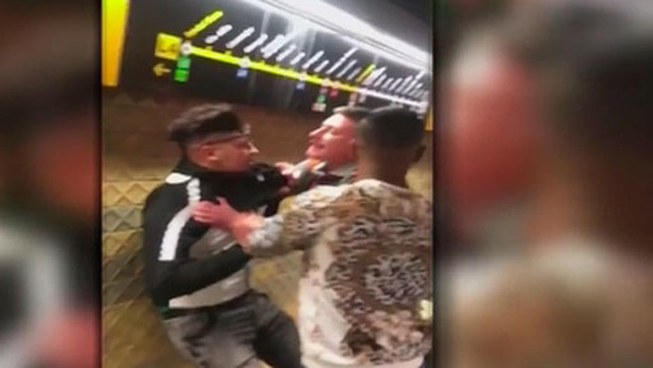 Investigan la actuación de un vigilante del metro de Barcelona con un joven al que empujó contra la pared