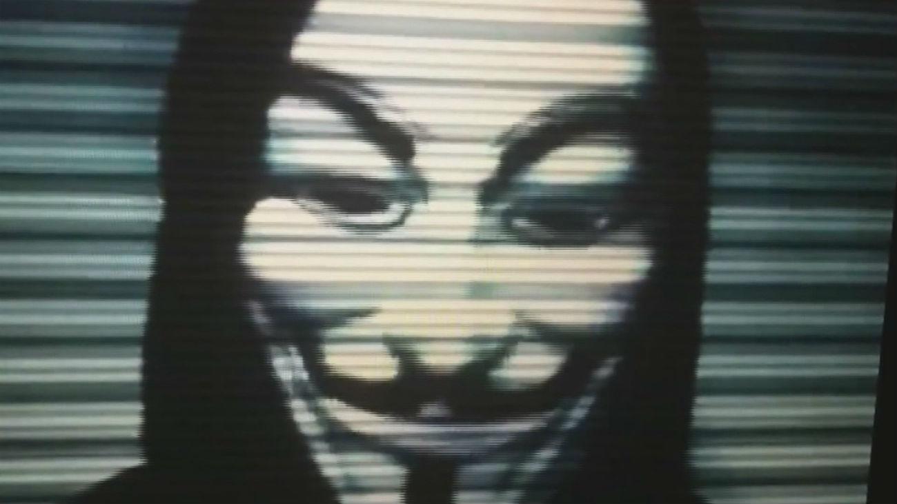Los hackers la toman con Ecuador tras la detención de Assange
