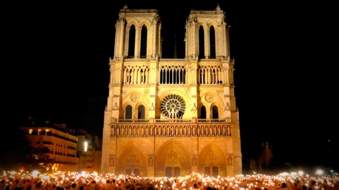 Campanas  unidas por Notre Dame