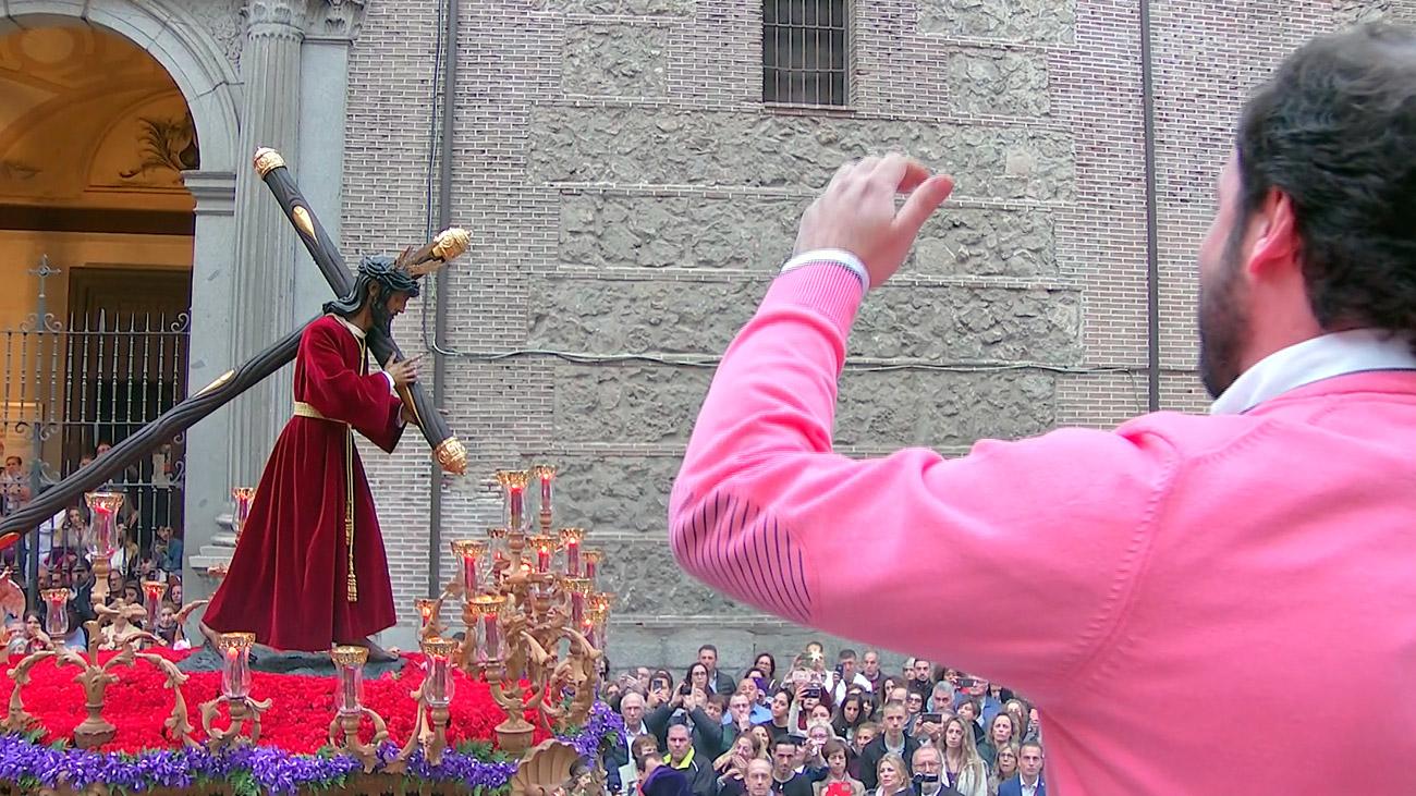 Una saeta en honor del Cristo de los Gitanos en la Semana Santa de Madrid 2019