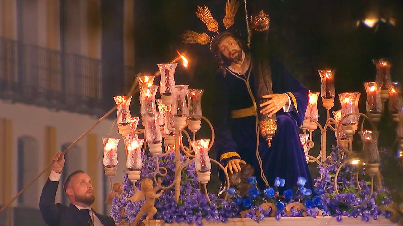 Salida del Cristo de las Tres Caídas en la Semana Santa de Madrid 2019