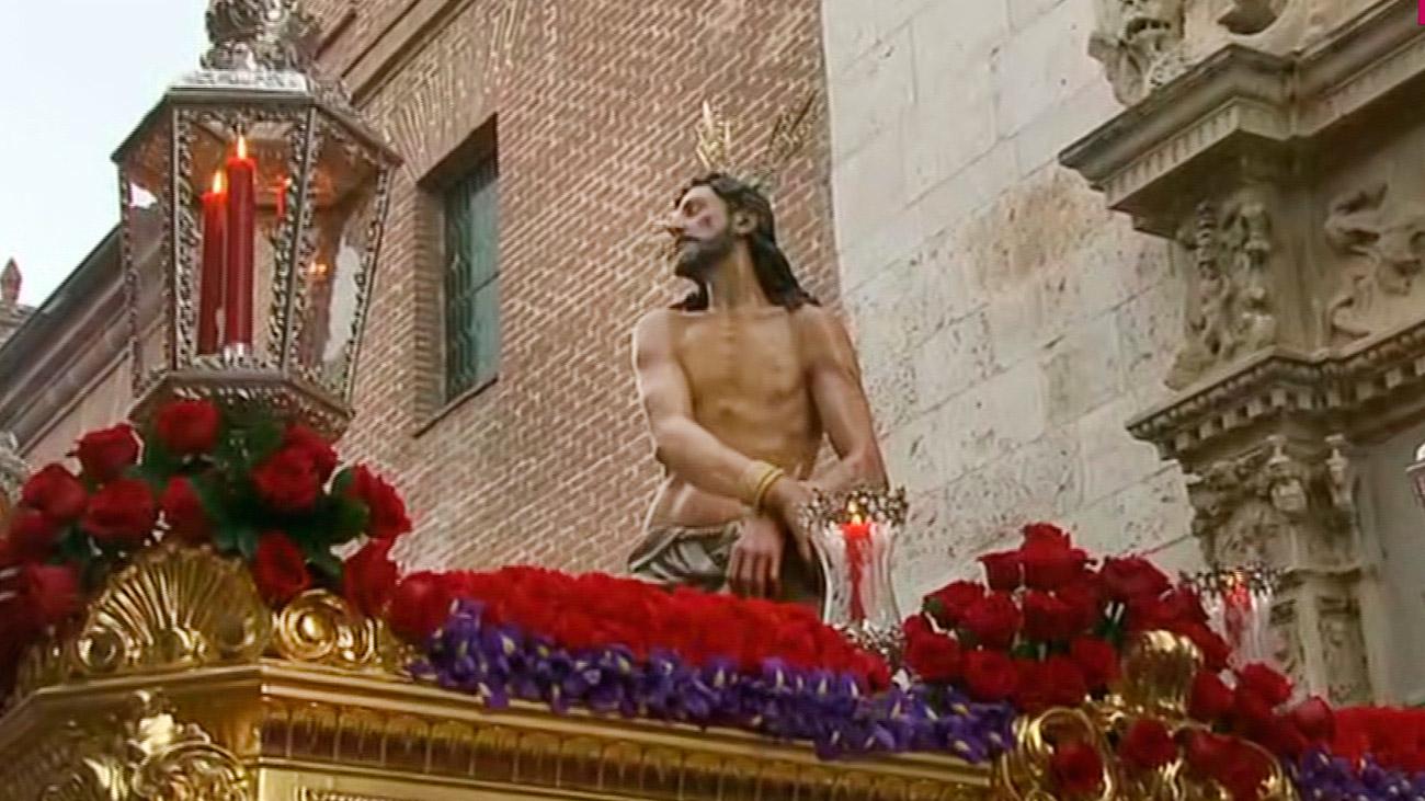 Salida del Cristo Atado a la Columna en la Semana Santa de Alcalá de Henares 2019
