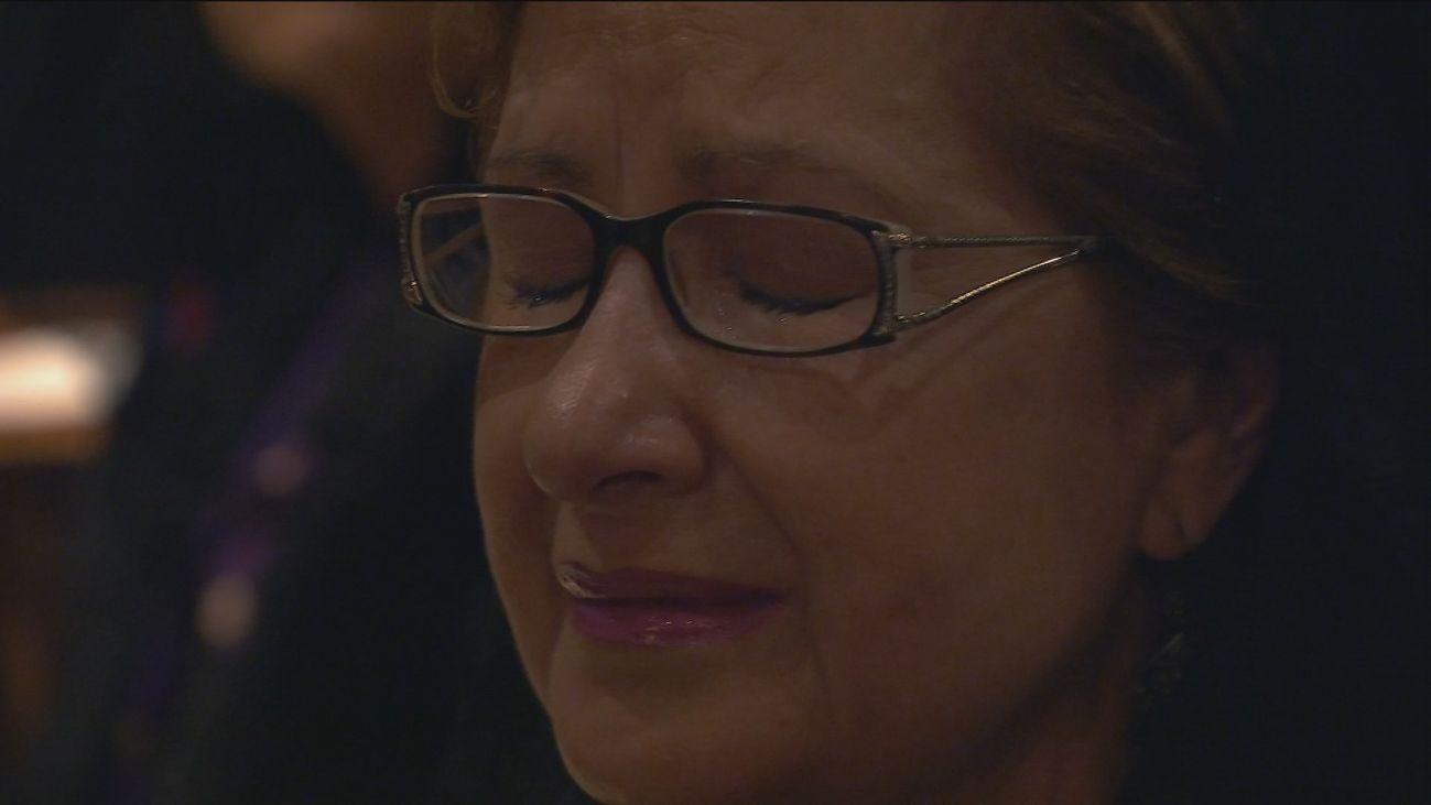 Lágrimas en  la Iglesia de San Pedro el Viejo, con la música de fondo
