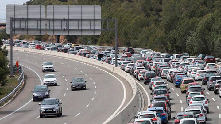 Madrid espera fuertes atascos en la operación salida del Puente de Mayo