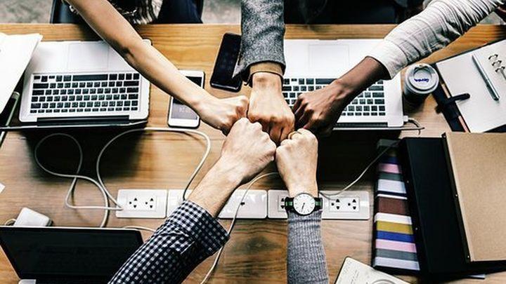 Mesa de autónomas: ¿Qué es el pacto de socios para montar una empresa?