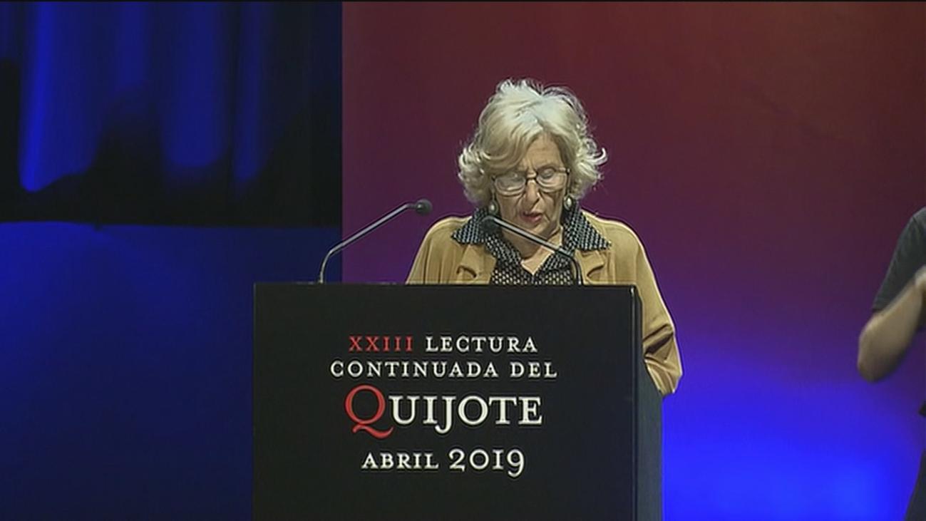 La alcaldesa, Manuela Carmena, en la lectura de 'El Quijote'