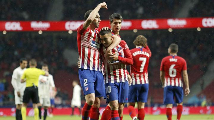 3-2. El Atlético gana al Valencia y aplaza el alirón del Barça