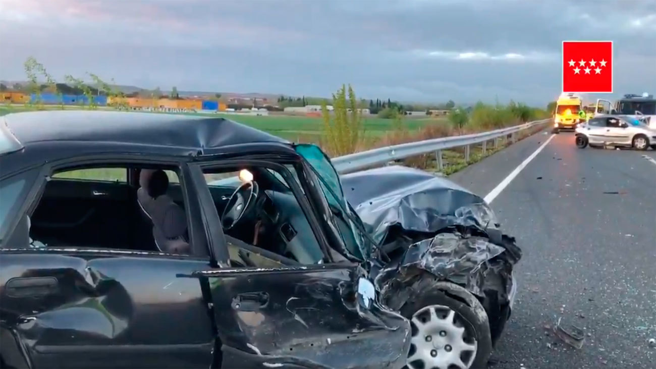 Un muerto y 3 heridos en un choque de 4 coches en Fuente el Saz