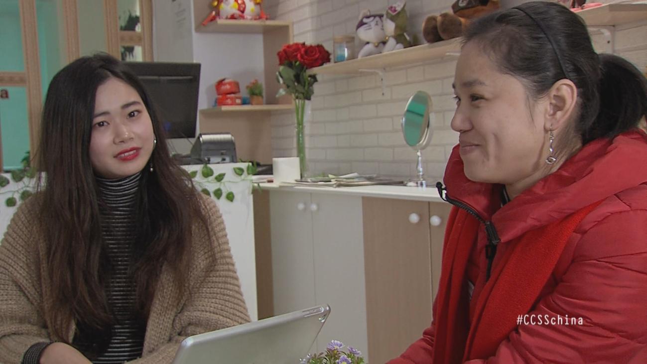 Emprendedores que comparten dos culturas: así son los chinos de Usera