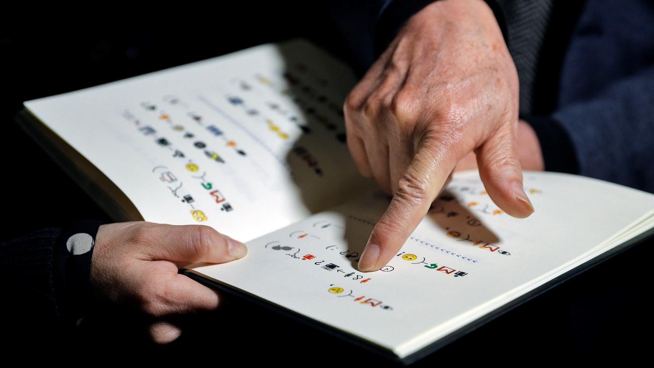 ¿Podrías leer un libro solo escrito con emoticonos?