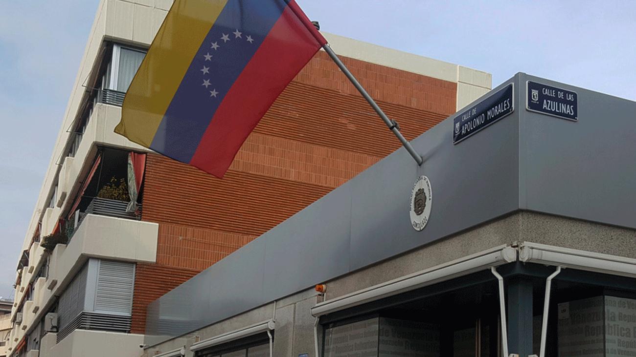 Concentración frente al Consulado de Venezuela