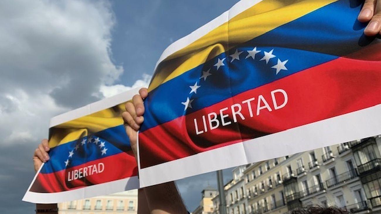Cientos de venezolanos salen a la calle en Madrid
