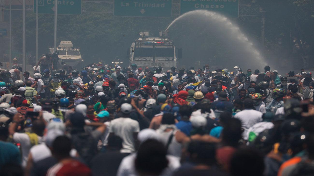 Entrentamientos en Caracas