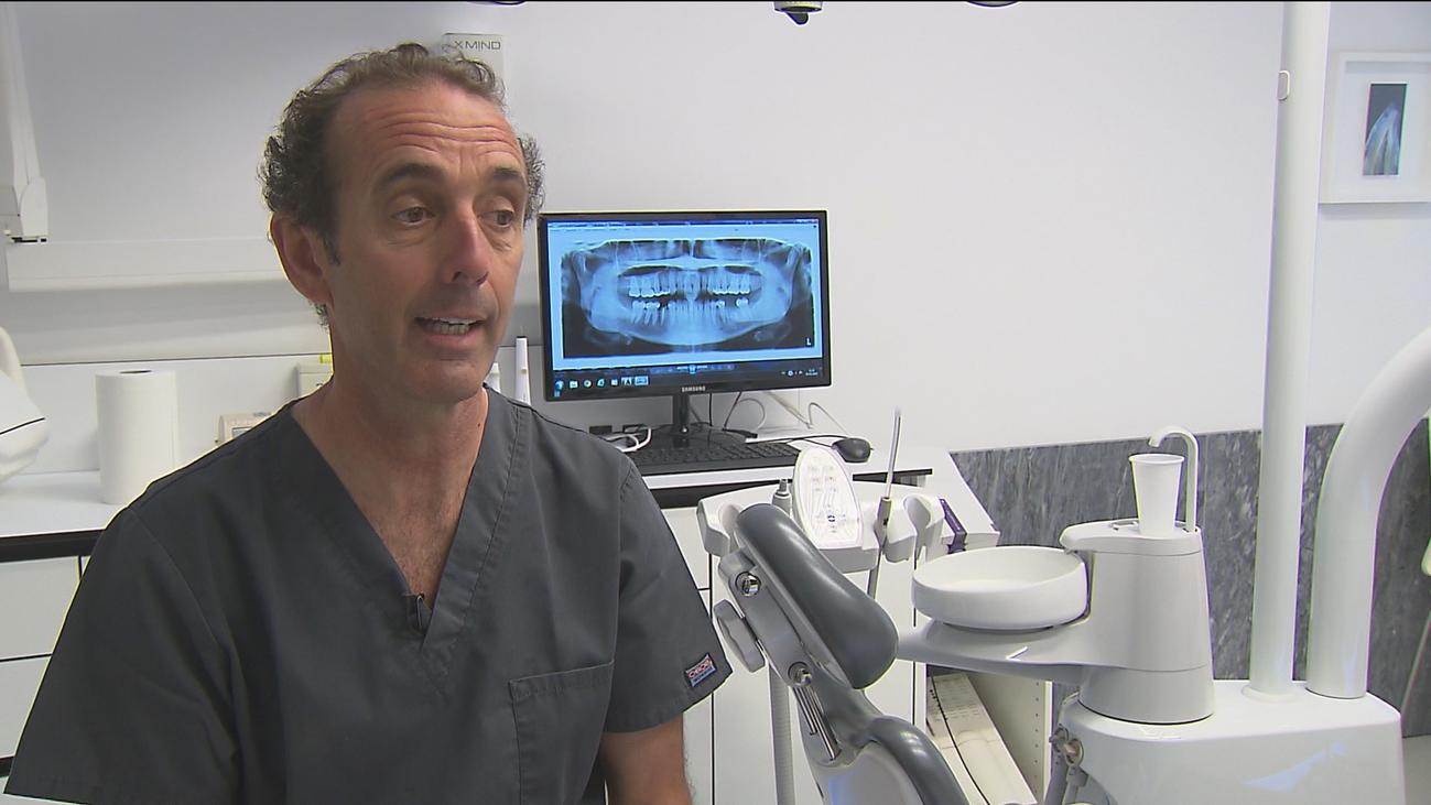Los dentistas advierten: Los enjuagues bucales no pueden sustituir el cepillado de dientes