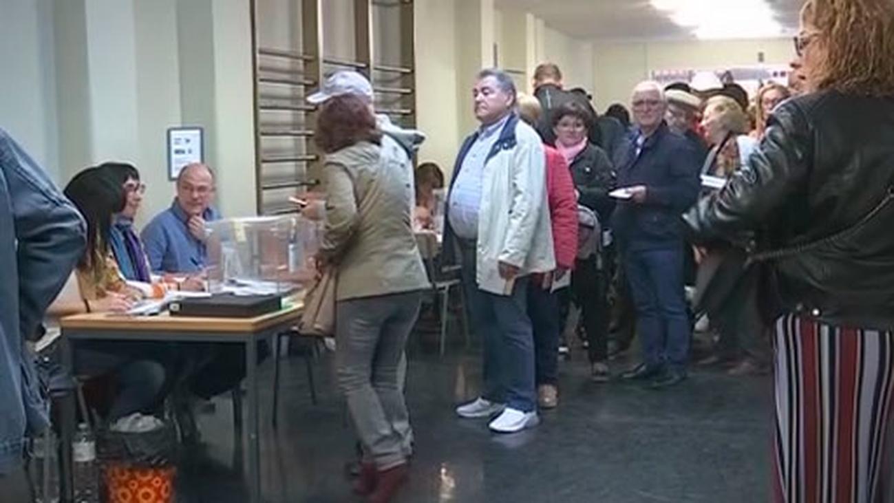 Aumenta el 'no' a la independencia en Cataluña, que supera por la mínima al 'sí'
