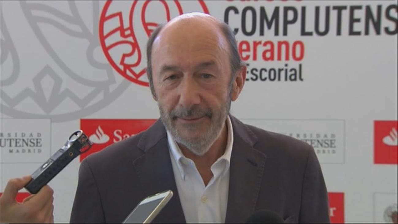 Tristeza y preocupación por Pérez Rubalcaba en la facultad de Químicas de la Complutense