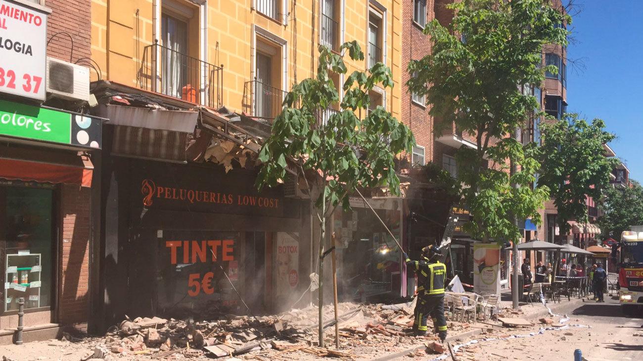 Tres viandantes heridos leves por la caída de una cornisa en Arganzuela
